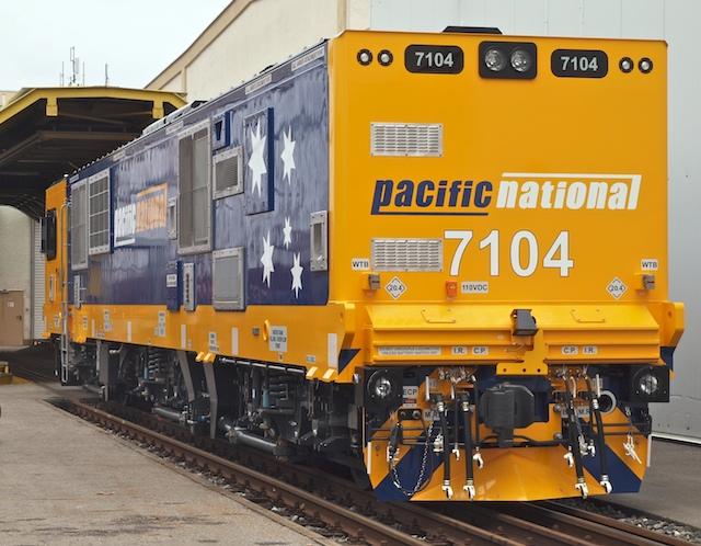Lok 7104 am 31.3.09 im Werk München-Allach  (Foto: Weidelich)