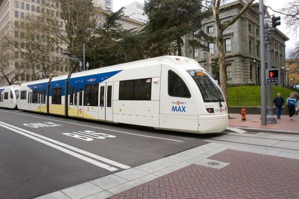 Der neue Siemens-Zug im Test auf der Transit Mall von Portland