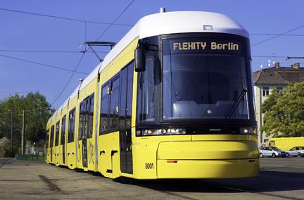 Diese Straßenbahnenbahnen werden ab 2011 Berlin verschönern (Foto: Bombardier)
