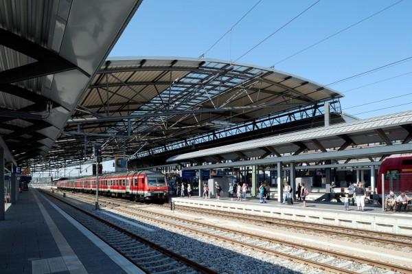 Freundlicher als früher: Bahnsteige in Erfurt  (Foto: Kittel)