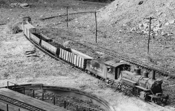 Eine K-27 der D&RGW erreicht mit dem kurzen Güterzug Sargent, CO.  Foto: F. Weidelich