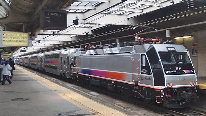 Lok aus Kassel in New Jersey: ALP-46 der NJ TRANSIT (Foto: Bombardier)